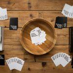 Cards against humanity ouvre un bar à jeu à Chicago