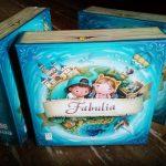 Fabulia : nouveau jeu de Wilfried et Marie Fort / illustrations de Eugene Smolenceva et Irina Penchenkina