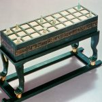 Un ancien jeu egyptien (nommé Senet) pour échanger avec les morts